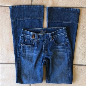 BEBE Jeans 26 Ladies AWESOME 😎 bell bottom
